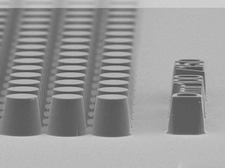 SEM-image of photoresist-pattern with drafted sidewalls