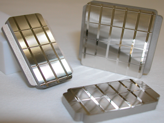 Set of injection molds with cylindrical lens-arrays